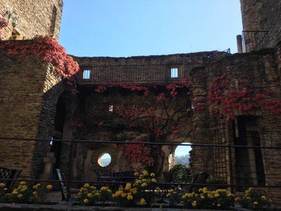 Chateau Belcastel : photo3.jpg