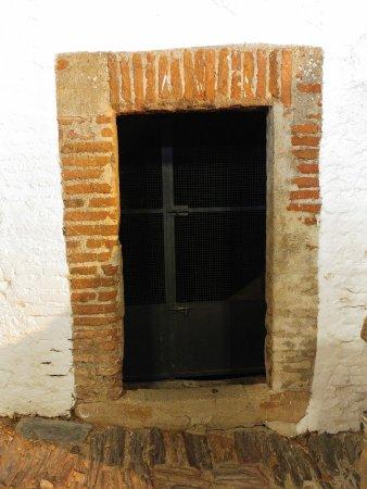 Monsaraz, Portugal: Puerta de la cisterna