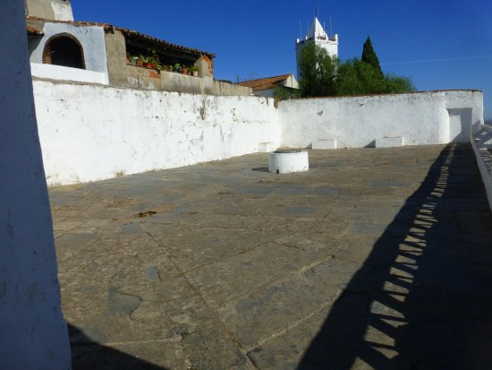 Monsaraz, Portugal: Terraza de la cisterna