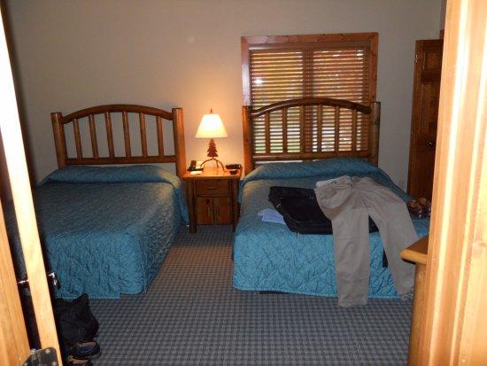 Nisswa, MN: Downstairs Bedroom Golf Villa