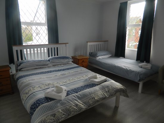 Starcross, UK: this is picture of our tripple  guest room  cost 90 pounds per night