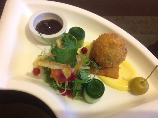 Probus, UK: Duck Leg Fritter