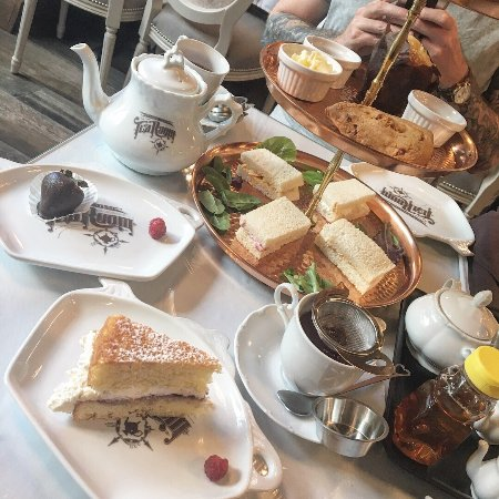 The Tea Room Celebration Fl