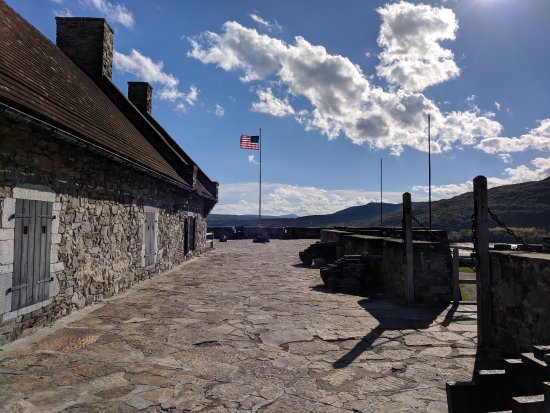 Ticonderoga, Nova York: photo1.jpg