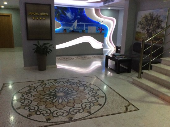 Hotel Jaroal: Reception