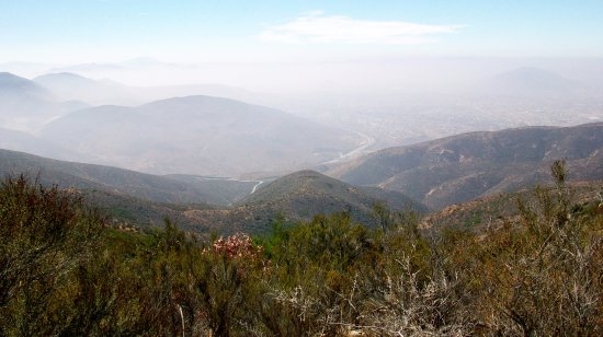 Jamul, Kalifornien: Mexican Federal Highway 2 in the distance