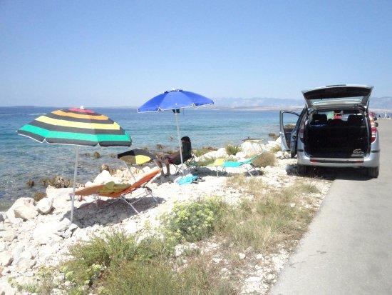 Preko, Kroatien: bagno sulla punta dell'isola di Vir natura alle spalle e un mare incantevole