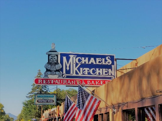 Michaels Kitchen Cafe & Bakery: Sign