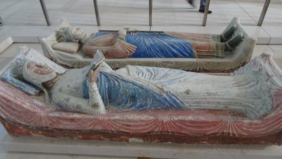Fontevraud-l'Abbaye, France: Effigies of Eleanor of Aquitaine and Henry II