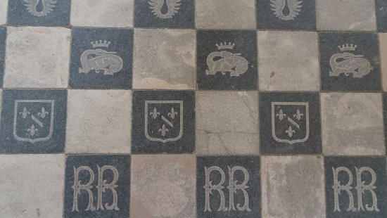 Fontevraud-l'Abbaye, France: Floor tiles