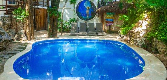 Luna Blue Hotel: Piscina