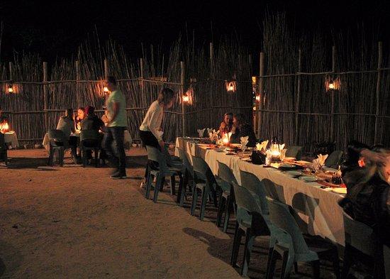 Timbavati Safari Lodge: bonito lugar para cenar al aire libre