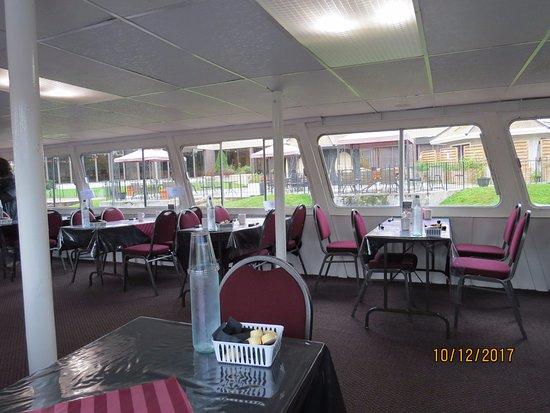 Bracebridge, Kanada: Dining room - lunch was very good - service wonderful.