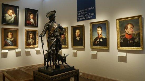 Fehrbellin Wustrau-Altfriesack, Tyskland: Portraitgalerie der Hohenzollern