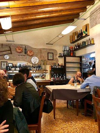 Ponzano Veneto, Italy: Una delle sale