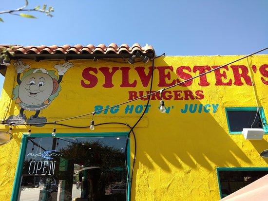 Atascadero, Kalifornien: SIDE VIEW