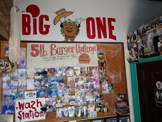 Atascadero, Kalifornien: FIVE POUND BURGER