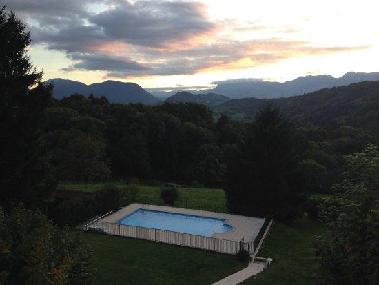 Uriage les Bains, ฝรั่งเศส: Vue du balcon de la chambre