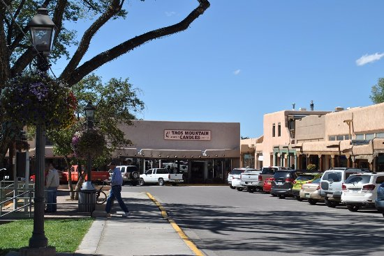 Taos Plaza: view on the plaza