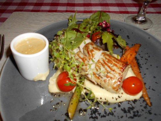 Viimsi, Estland: Lunchmaträtt på Il Coccodrillo.