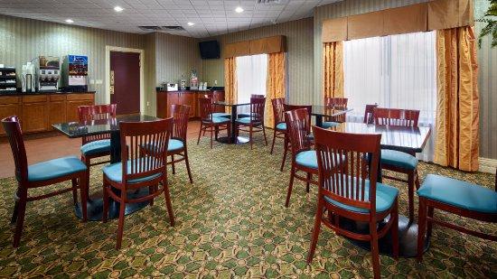 Best Western Plus Kalamazoo Suites : Break Seating