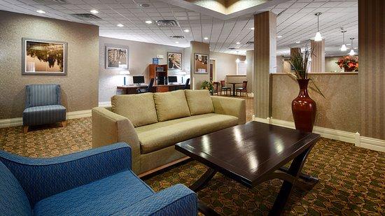 Best Western Plus Kalamazoo Suites : Lobby