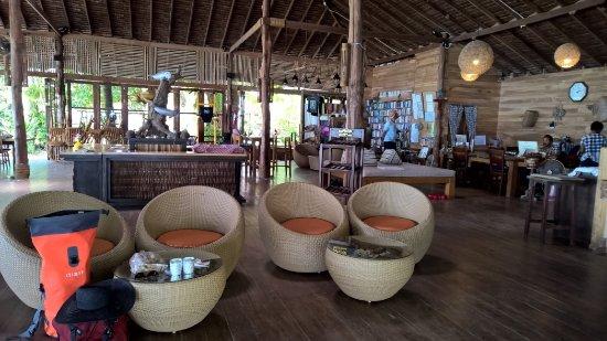 Ko Ngai, Tailandia: reception/restaurant
