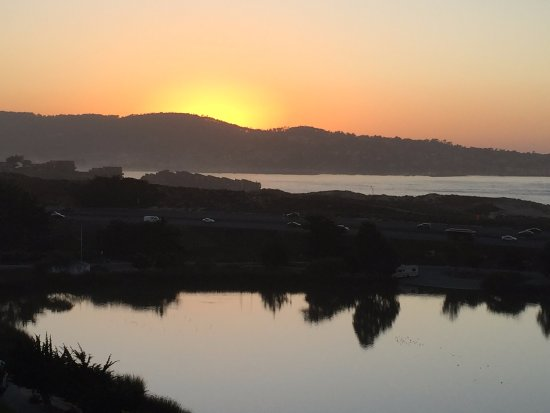 Embassy Suites by Hilton Hotel Monterey Bay - Seaside: Sunset from the balcony...