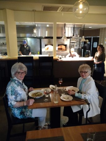Kinston, NC: Gracie & Liz at Chef and the Farmer