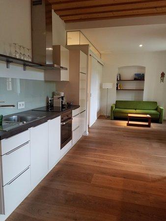 Malat Weingut und Hotel: Kitchen/Living Room