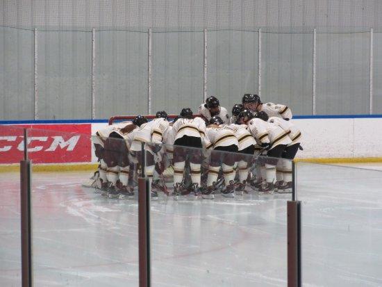 Wentzville, MO: Lindenwood Ice Arena-Women's Hockey Team Pre-Game Huddle