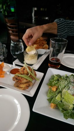 Local on Lakeshore: Local Lounge • Grille