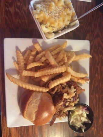 Huron Street Pub & Grill Image