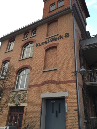 Trossingen, Alemania: Front mit Aufzug!
