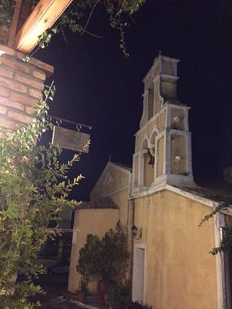 Jimmy's Restaurant : The church opposite the restaurant