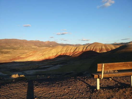 Prineville, Oregón: Painted hills in sunset