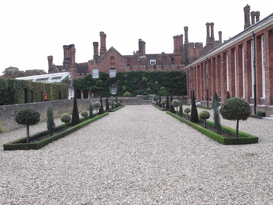 Hampton Court Palace East Molesey England Top Tips Before You