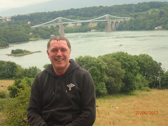 Brynsiencyn, UK: A photograph whilst on holiday at Coach House Faner.  This one overlooking Menai Straits & Bridg