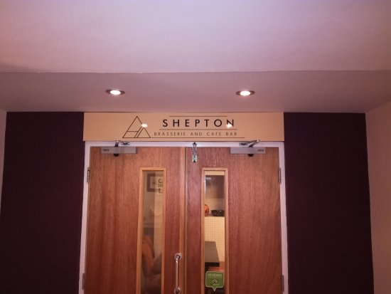 Shepton Mallet, UK: The entrance from the department store.