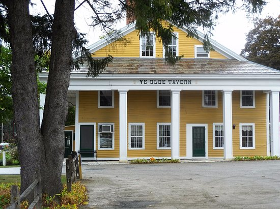 Manchester, VT: Front of the restaurant.