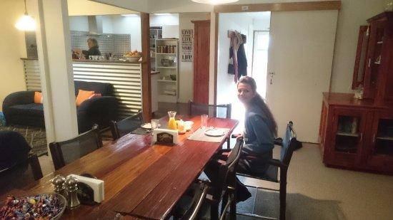 Parndana, Australien: Jane sullo sfondo cucina per noi