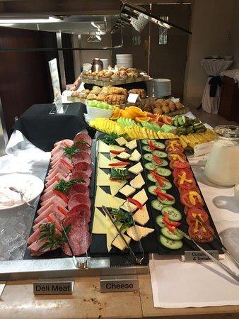 Scenic Hotel Southern Cross: Buffet Breakfast No 1