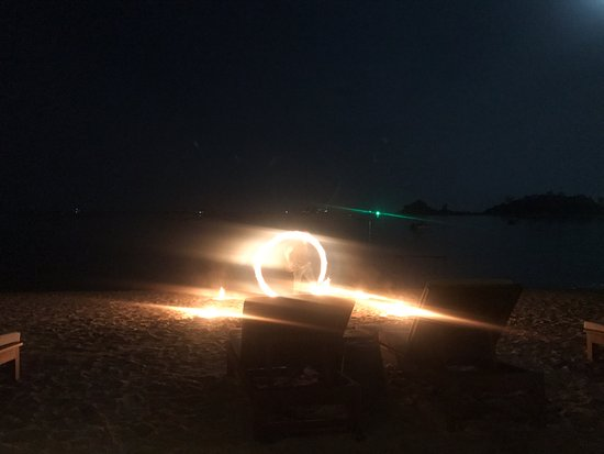 SALA Samui Choengmon Beach Resort : Fire show