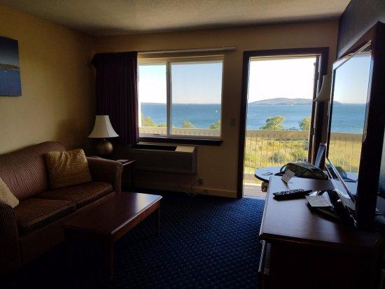 Belfast, Maine: Living room in suite