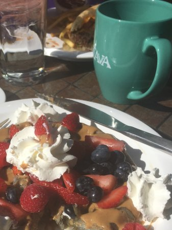 Xetava Gardens Cafe: This is the gluten free waffle.