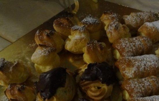 Лаглио, Италия: hand-made desserts