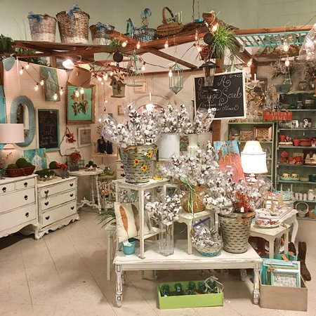 Collierville, TN: Sheffield Antiques Mall