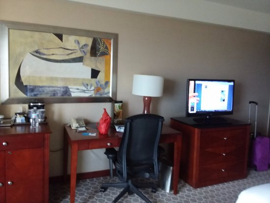 Peachy Room With Desk Dresser Coffee Stand Tv Not Showing Red Dailytribune Chair Design For Home Dailytribuneorg