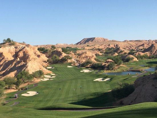 Wolf Creek Golf Club: Quel magnifique terrain de golf, du jamais vue et tout un challenge.