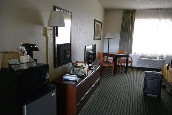 Wendover, UT: room